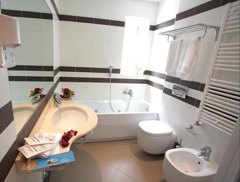 bathroom-rimini