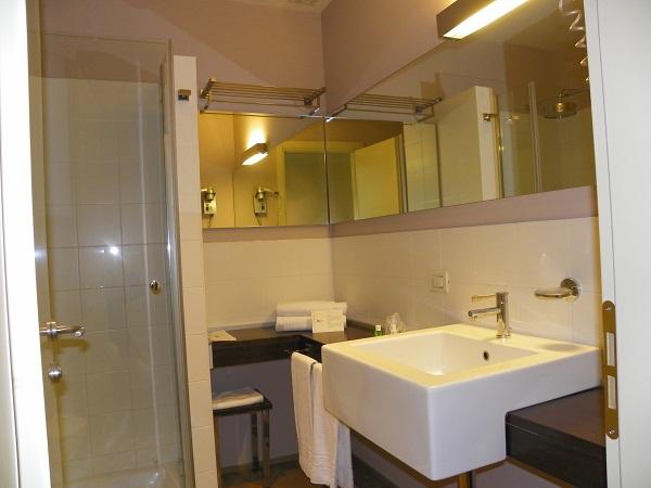 bathroom-hotel-bologna